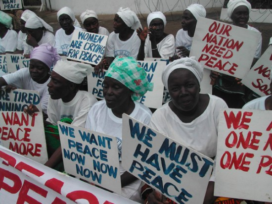 Liberian women demonstrate at the American Embassy in Monrovia at the height of the the civil war in July 2003_72dpi_credit_Pewee_Flomoku